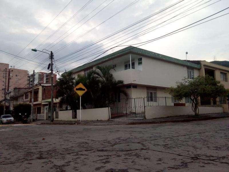 Apartamento En Arriendo En Cali La Campiña Cod. ABAME741