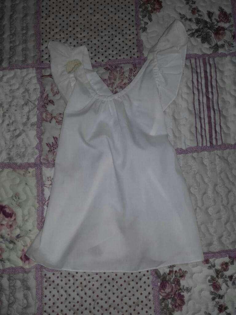 Blusa Blanca con Volados para 4 Años