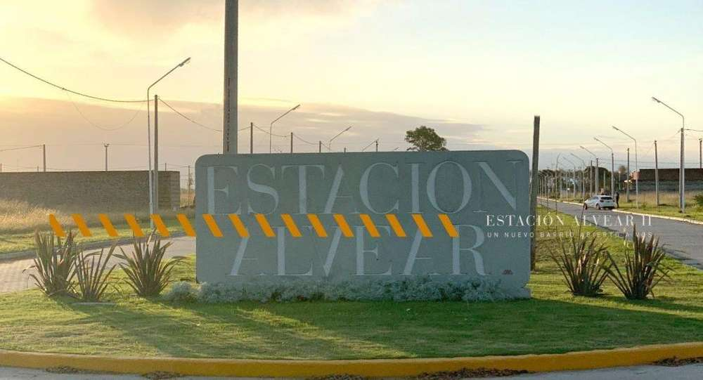 Excelente venta de lote en Estacion Alvear. TODOS LOS SERVICIOS. Sin Expensas. Terreno de 570 m2.