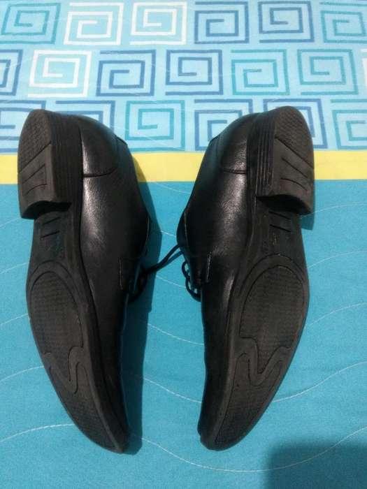 Zapatos en Cuero Talla 39