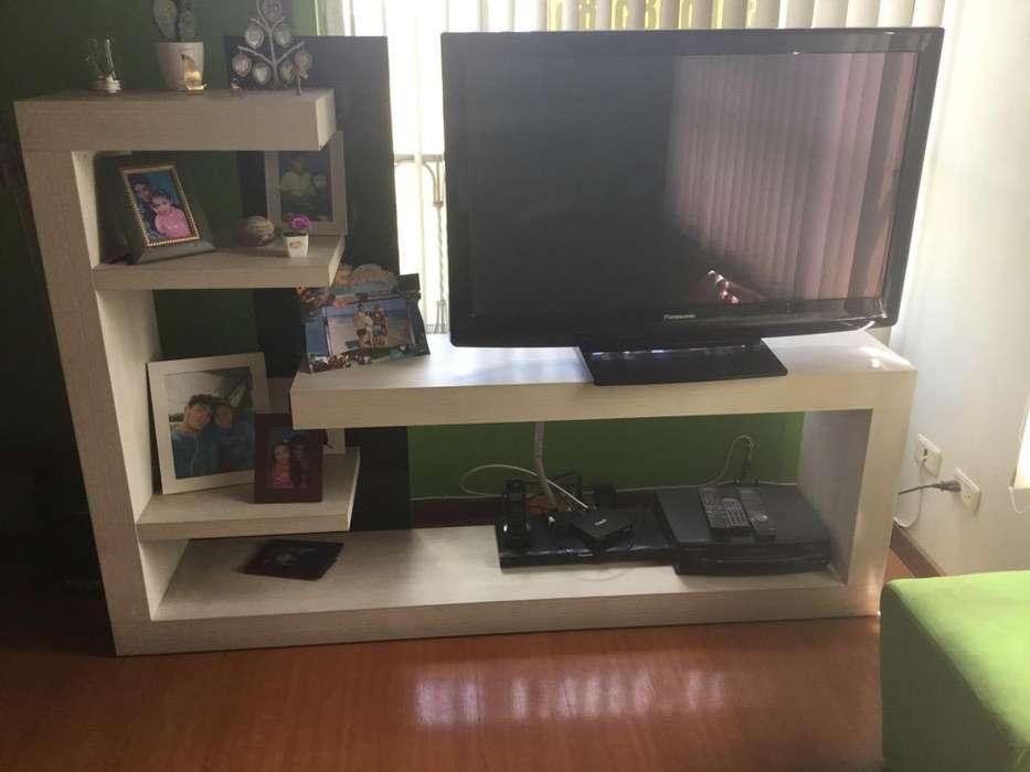 Mueble en Madera Blanco para Estar de Tv
