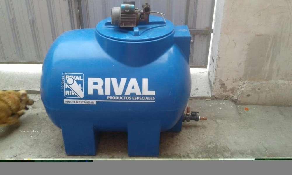 Vendo Tanque de Agua con Bomba Usada