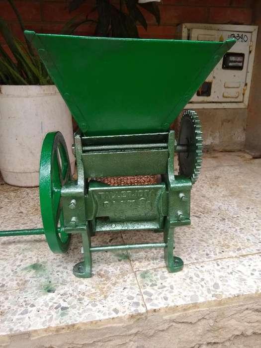 Maquina de serezar caf antigua