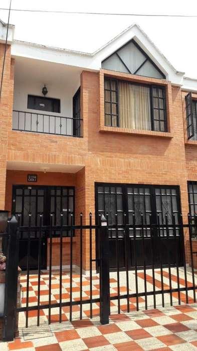 Vendo-permuto hermosa casa en Fusagasuga por apto en Bogota.