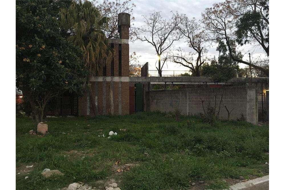 CASA 3 HABIENTES EN EL CENTRO DE HAEDO OPORTUNIDAD
