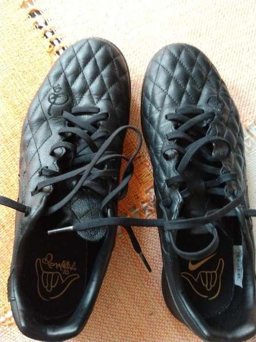 Botines Papi Fútbol Nike