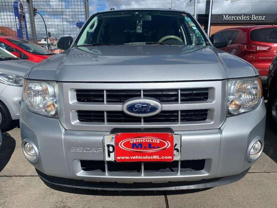 Ford Escape 2011 - 140380 km
