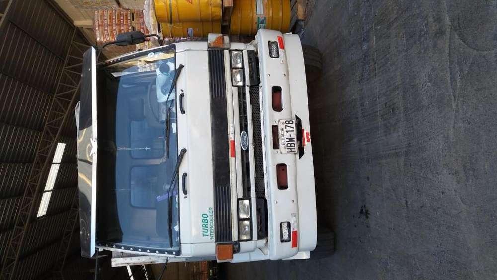 vendo lindo camion plataforma