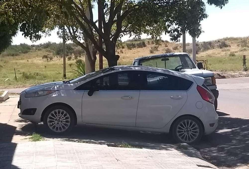 Ford Fiesta Kinetic 2014 - 110000 km