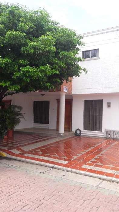 Casa a La Venta en Valledupar de Dos Pisos en Conjunto Cerrado.