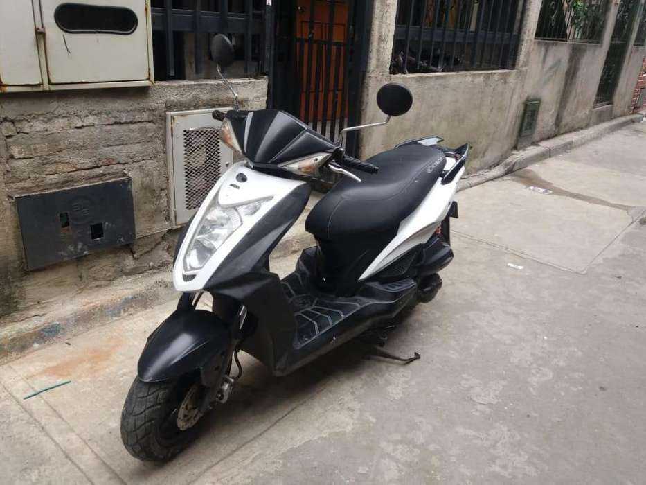 Moto Agility Rs Cali