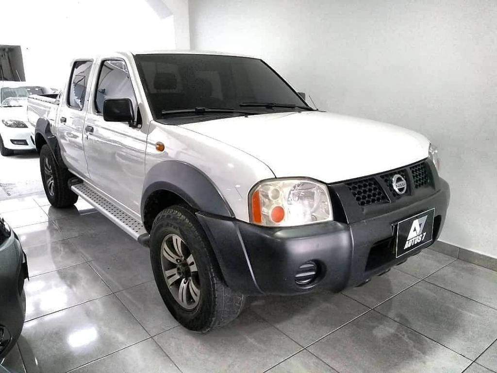 Nissan D22 Frontier Modelo 2010, Diesel.