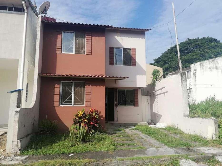 Venta de Casa en Urb. Lagos de Daule, Villa 7