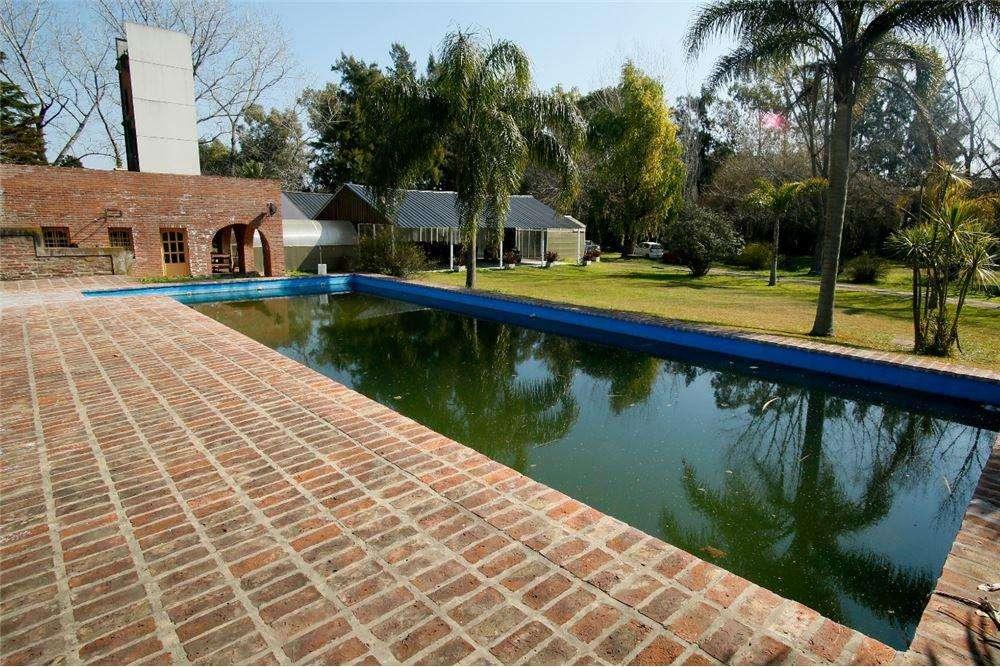 En venta Casa Quinta en City Bell