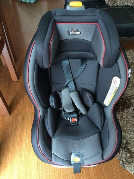 Silla de bebe para Auto Chicco Next Fit en excelente estado