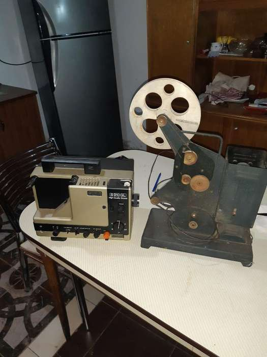 Proyector de Películas Antiguo