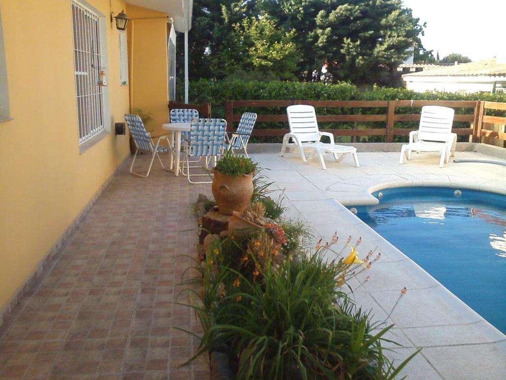 sv75 - Casa para 3 a 5 personas con pileta y cochera en Villa Carlos Paz