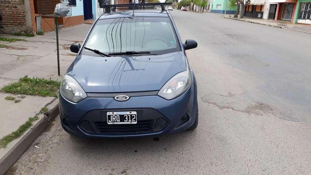 Ford Fiesta  2011 - 150000 km