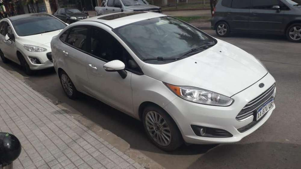 <strong>ford</strong> Fiesta Kinetic Sedán 2017 - 55000 km