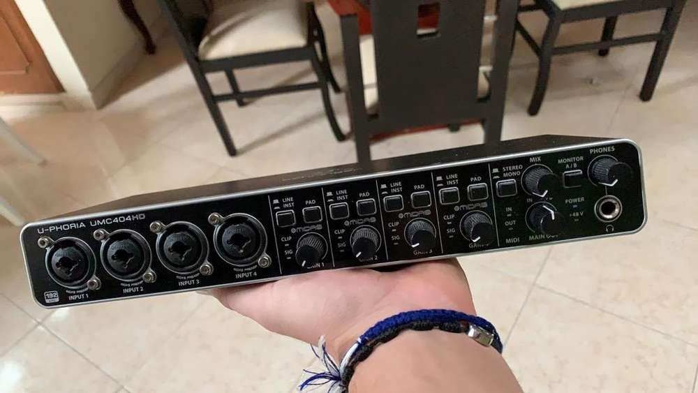 Tarjeta de sonido Behringer Umc 404 Hd