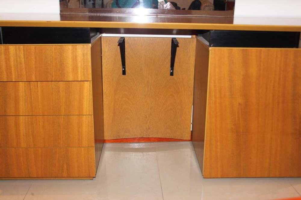 Mueble Comoda con Espejo