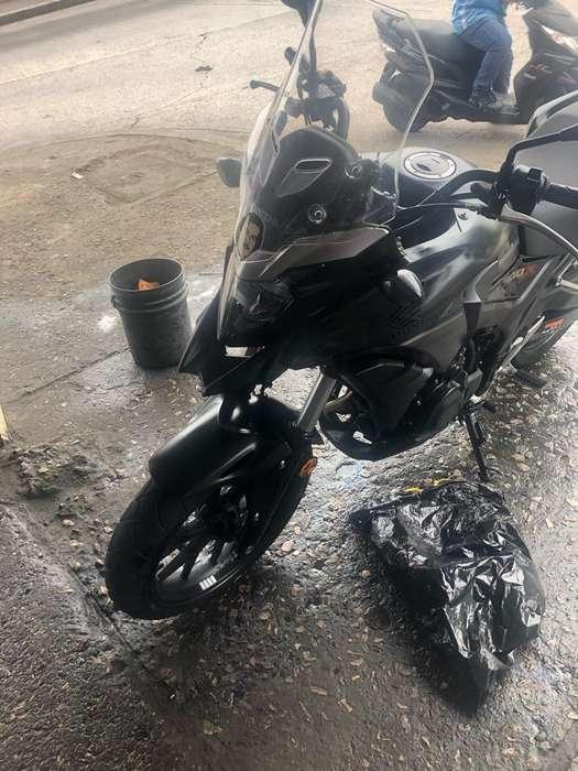 Vendo Linda Moto Como Nueva <strong>honda</strong> Cb500X