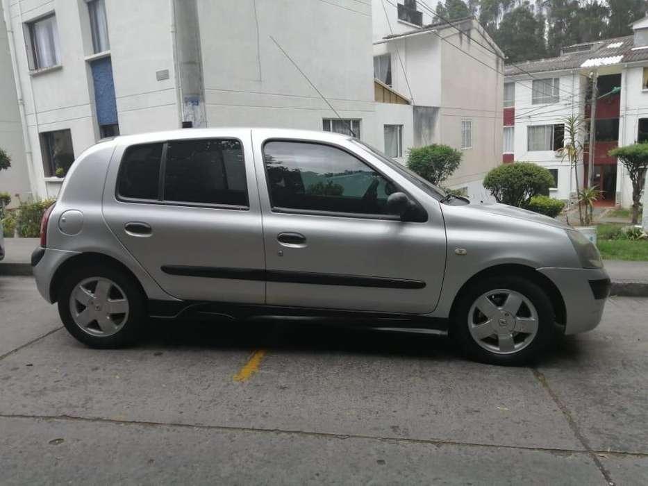 Renault Clio  2004 - 121212 km