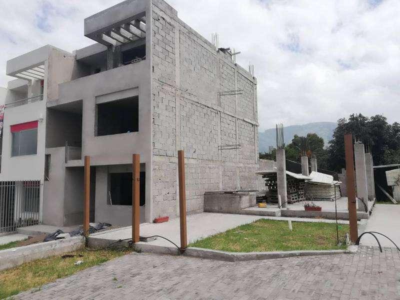 Venta de Casa en Mira Sierra / Valle de Los Chillos