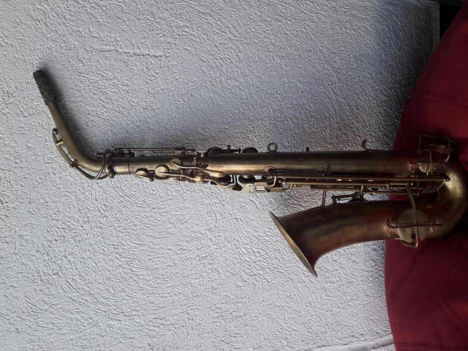 Saxofón alto Buescher True Tone 1926-1927