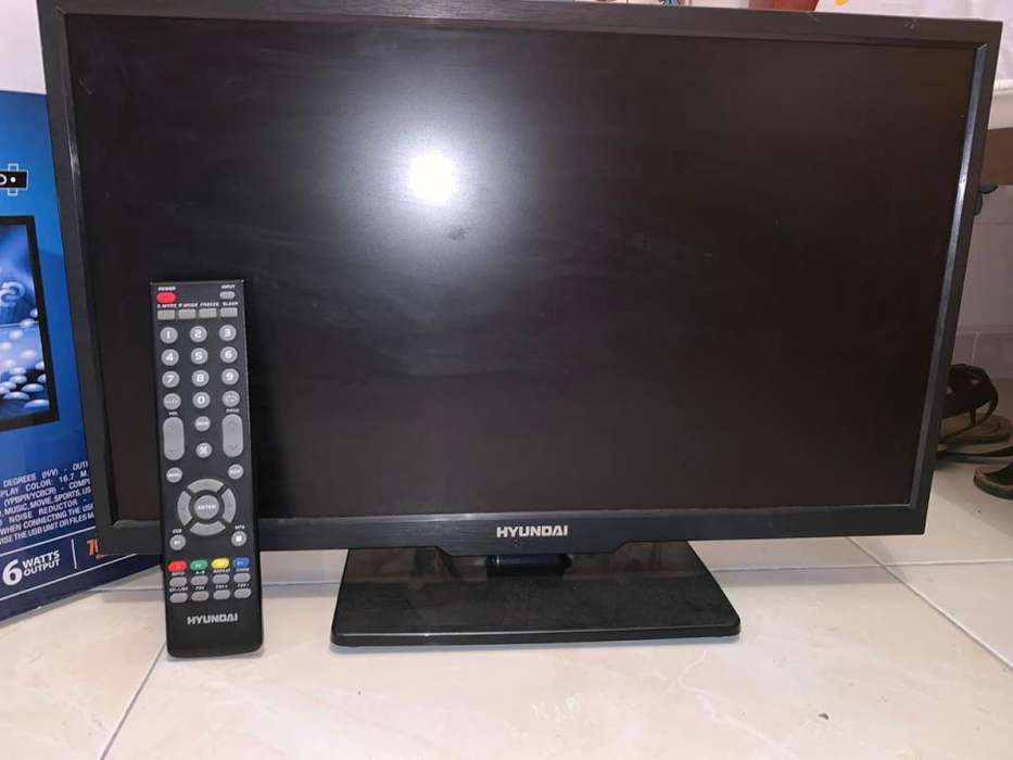 TELEVISOR HYUNDAI 22 LED TV