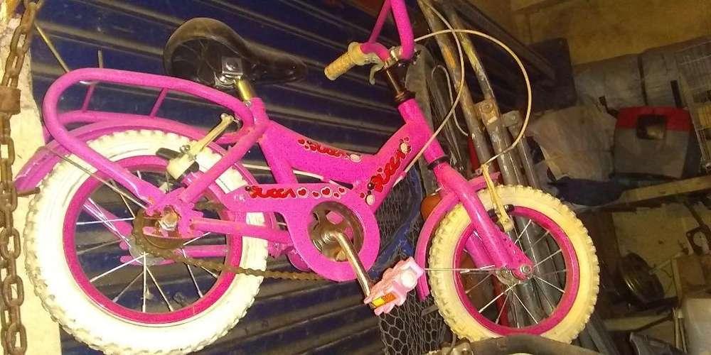 Bicicleta de Nena Semi Nueva