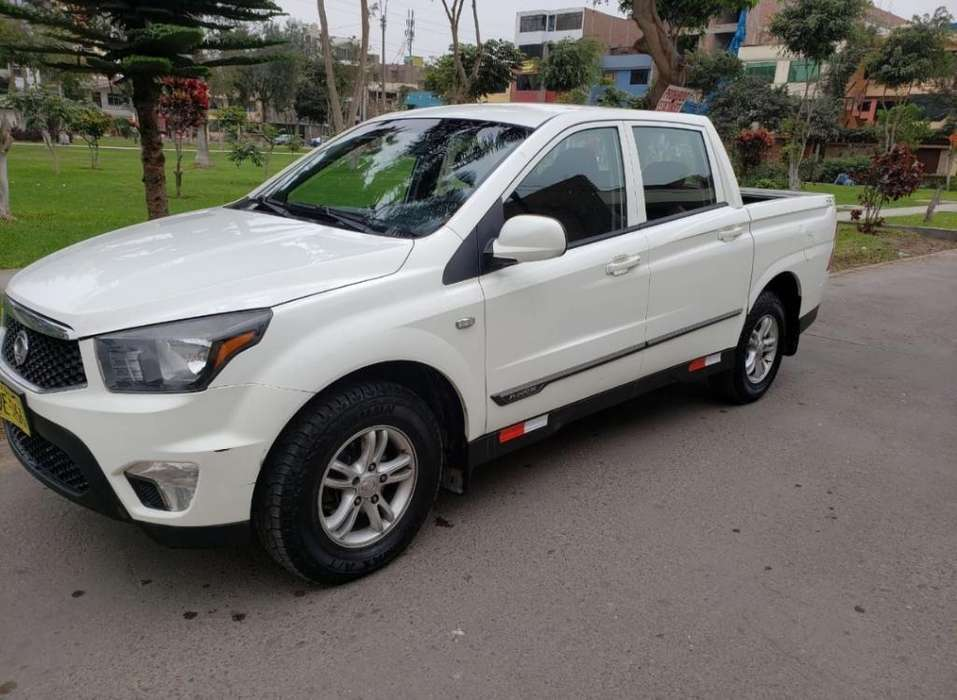 SsangYong Otro 2015 - 38000 km