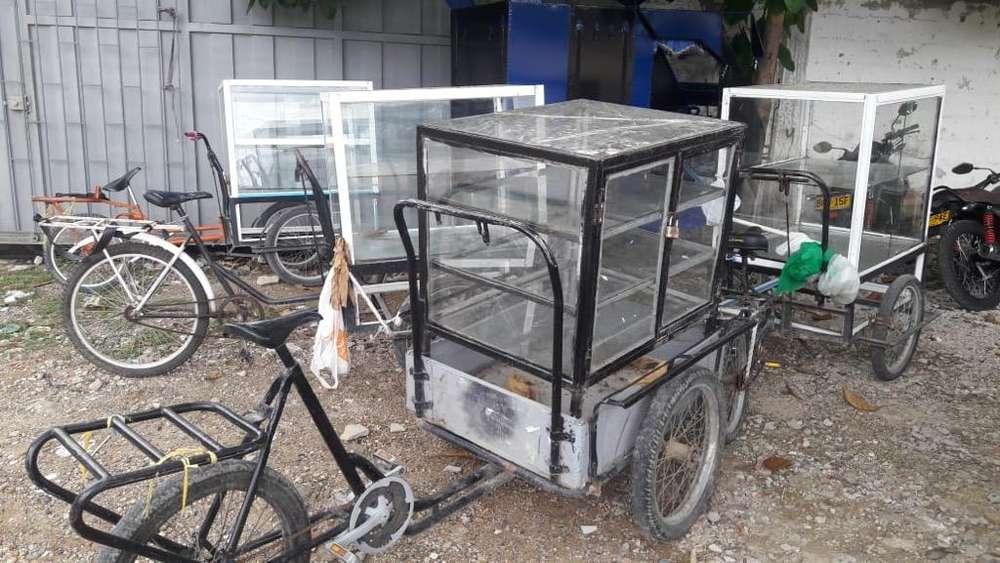 4 Triciclos de Carga