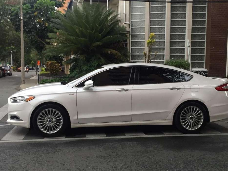 Ford Fusion 2016 - 30000 km
