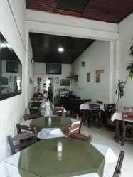 vendo restaurante, zona comercial y de oficinas.