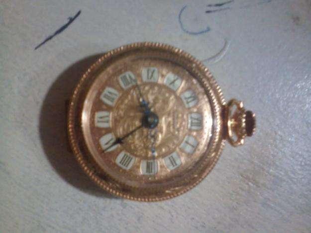 Reloj Antiguo Colgante Funciona a Cuerda