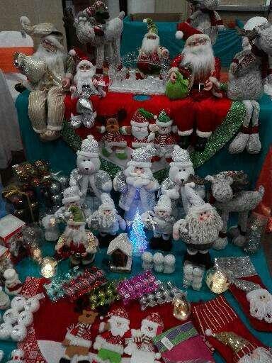 Toda una variedad de articulos para decorar navidad, por mayor.
