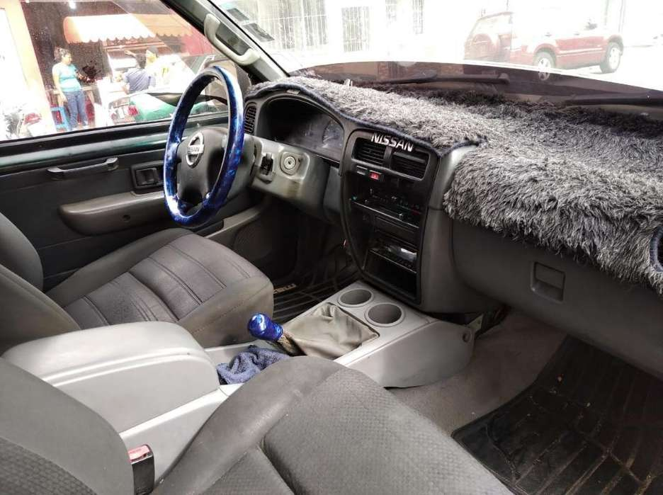 Nissan Año 96