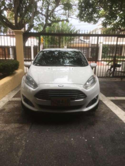 Ford Fiesta  2014 - 62000 km