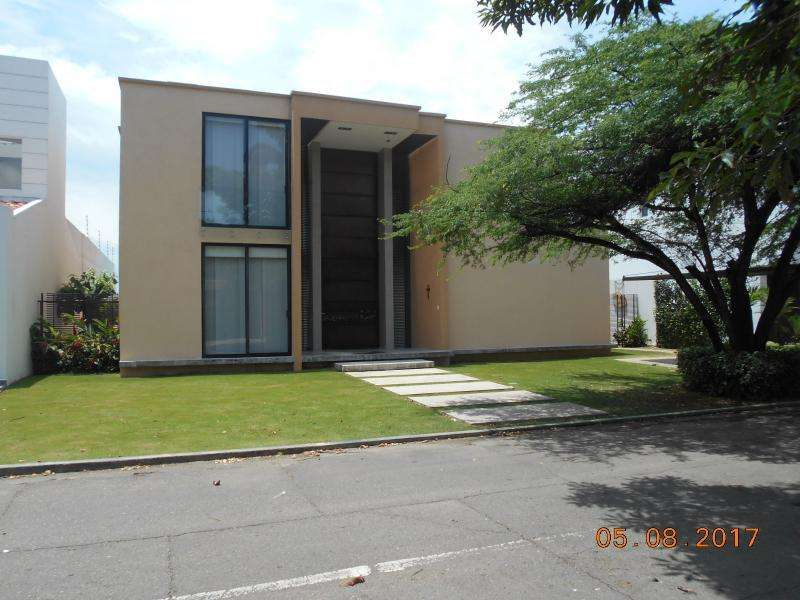 Casa En Arriendo/venta En Cúcuta Bocono Cod. ABRBC4623
