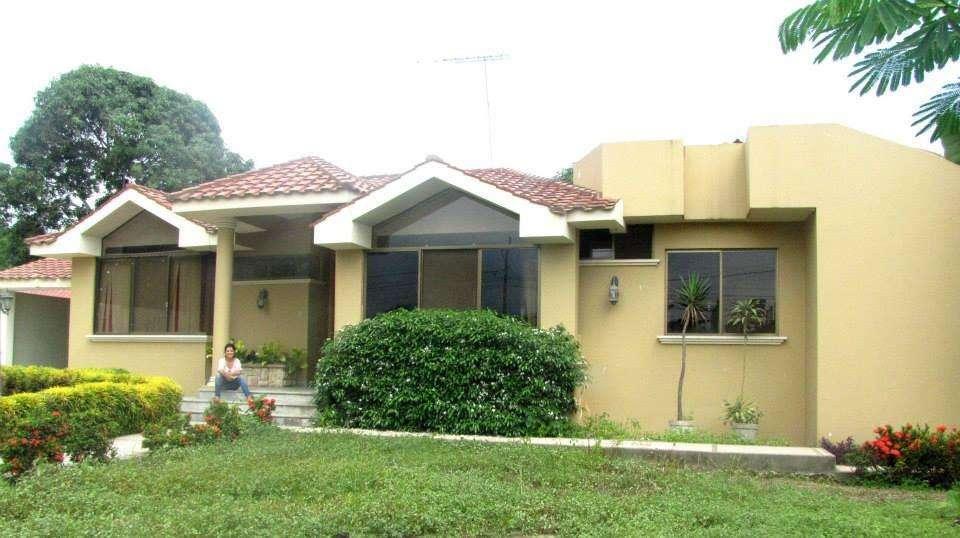 Se vende casa en Urbanización 2 Marías, MACHALA.