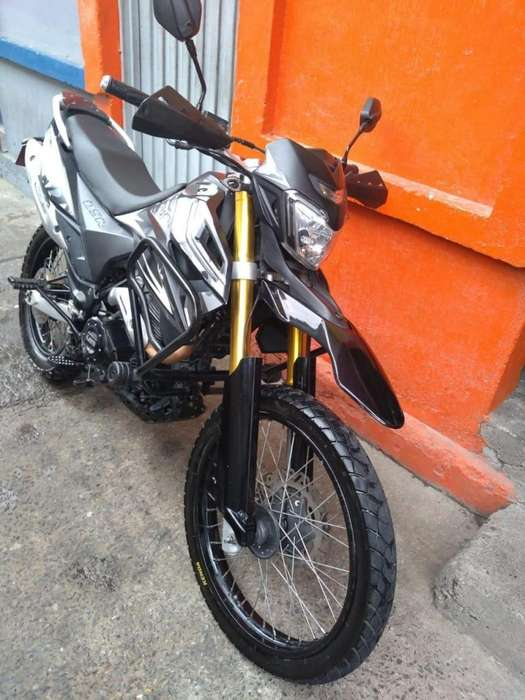 VENTA DE MOTO UM DSR 230CC