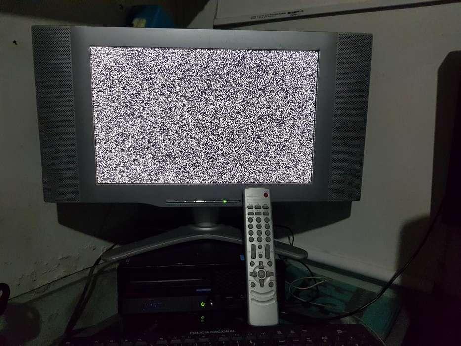 Televisor <strong>monitor</strong> Lcd de 17 Excelente