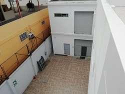 ELEGANTE Y MODERNO EDIFICIO DE OFICINAS EN VENTA UBICADO EN LA GARZOTA