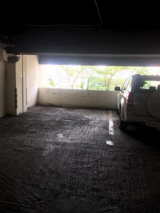 Venta 2 Parqueos <strong>edificio</strong> Induauto