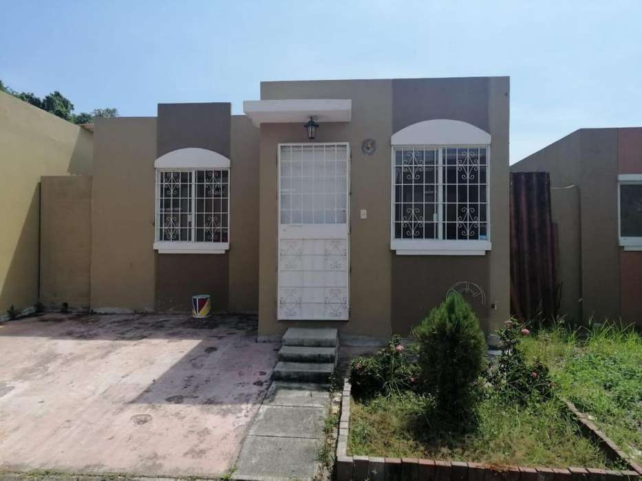 Se alquila casa en Villa del Rey 3 dormitorios
