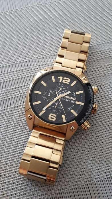 Reloj Diesel Dorado Usado