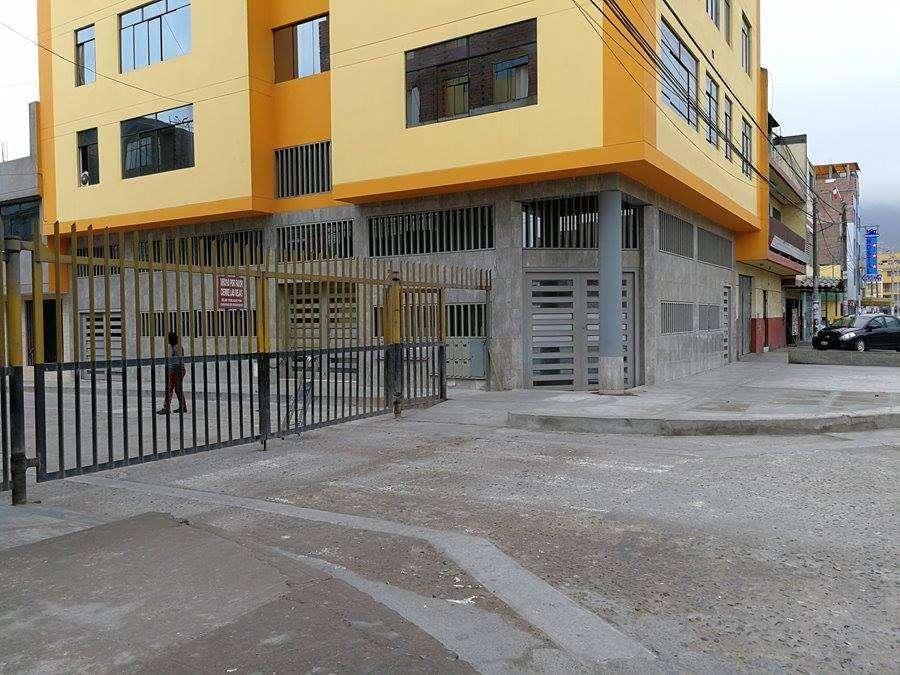 VENDO LOCAL COMERCIAL 1ER PISO DE 180 M2 en San Martin de Porres.
