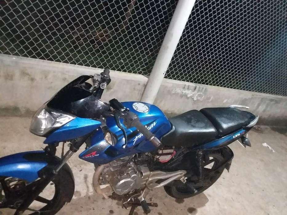 Vendo Moto Pulsar 135 por Nesecidad