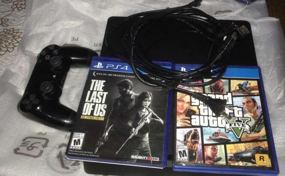 Playstation 4 con 1 Joystick, 2 Juegos